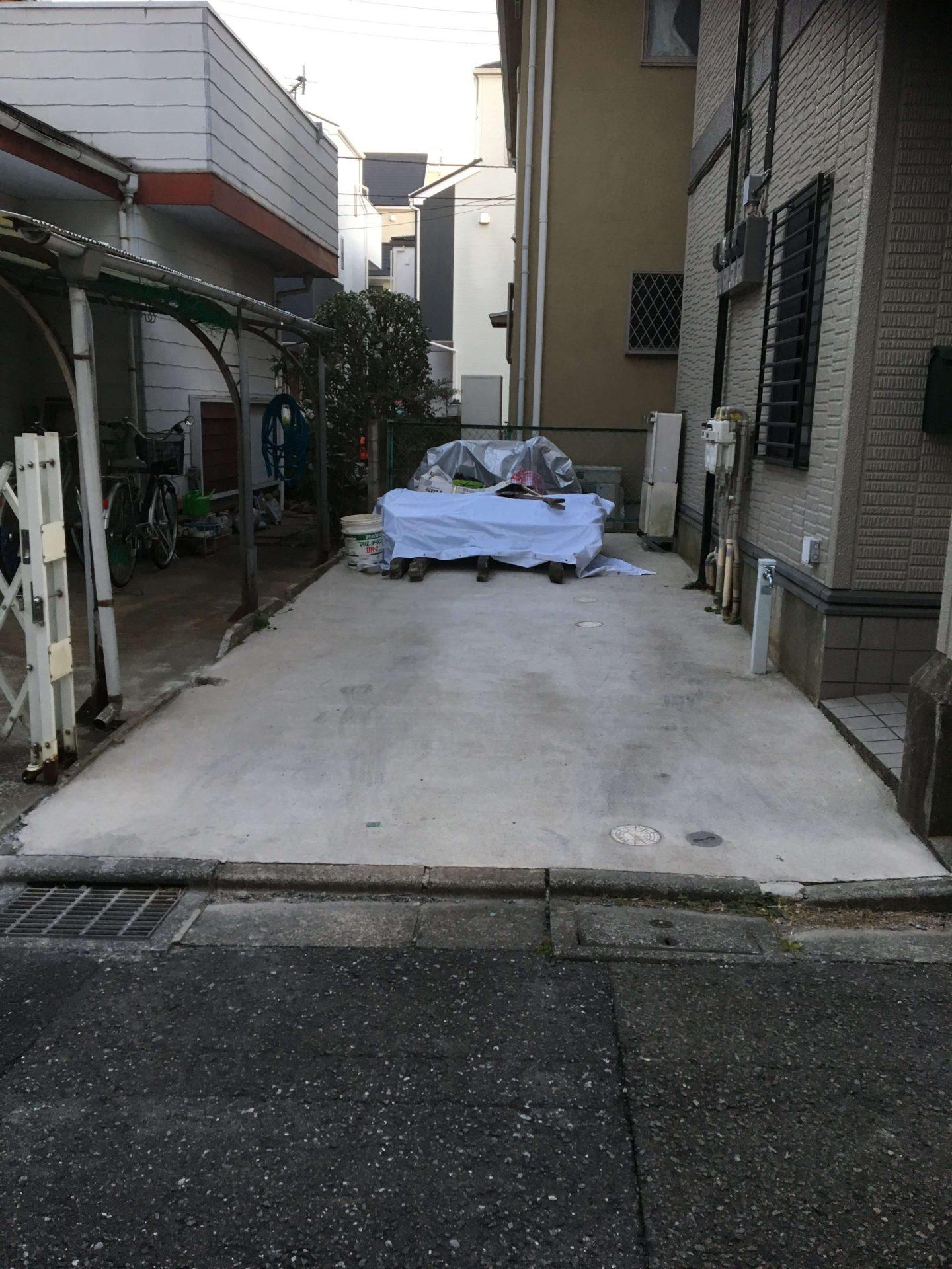 調布市深大寺元町の動物病院、ほほえみ動物病院では専用駐車場を1台ご用意しています。